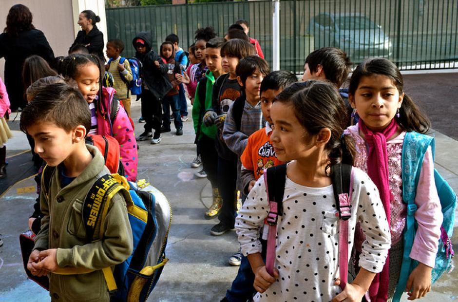 Students line up outside Metro Charter Elementary School in downtown Los Angeles. Source: Flickr/ via Neon Tommy (CC BY-SA 2.0)