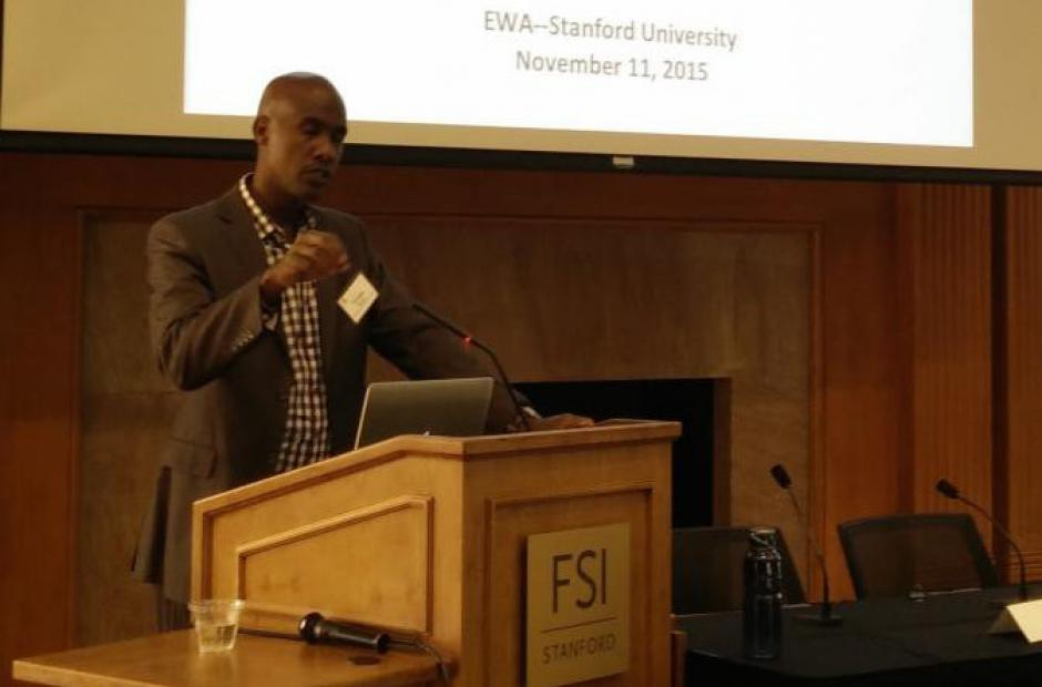 Tyrone Howard, a professor and associate dean at UCLA, speakers to reporters about student trauma at EWA's seminar on Motivation Nov. 11, 2015. (Photo credit: EWA/Michael Marriott)