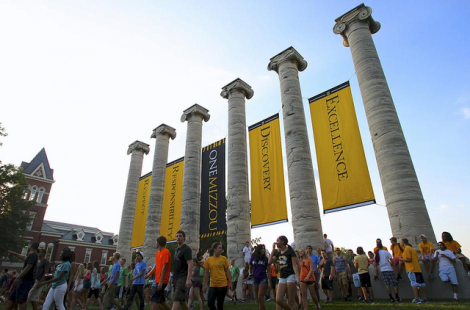 Image of Students at Embattled Mizzou Want Latina Sorority