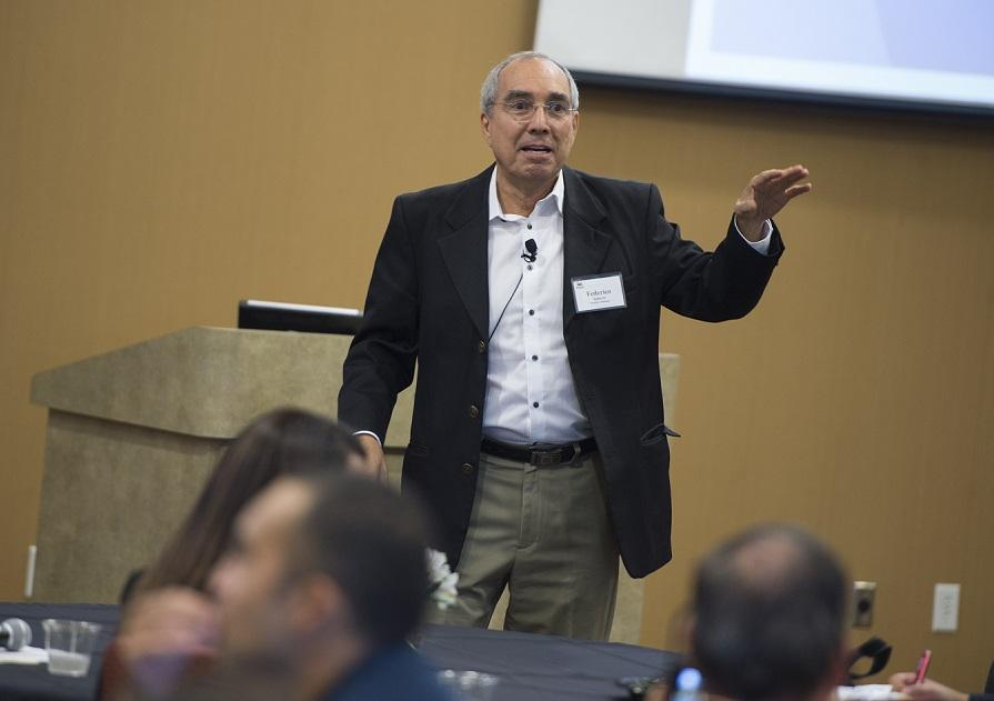 """Federico Subervi gives the keynote speech, """"Countering Stereotypes and Vacuums: Inspiring and Mobilizing News for 'Sí, Se Puede'"""" at EWA's 2015 Spanish-Language Media Convening in Orlando. Source: Valencia College/ Don Burlinson"""