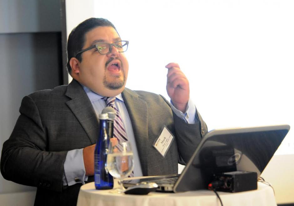 Mark Hugo Lopez of Pew Research Center's Hispanic Trends Project addresses attendees of EWA's first Spanish-Language Media Convening in Dallas.  Source: Jay Torres, Diario La Estrella