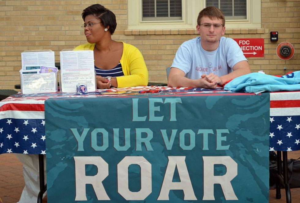 University of Missouri students volunteering at a campus voter registration event in 2012. The youth vote could be a critical factor in this year's elections, as well, experts say. (Flickr/KOMU News via Creative Commons)