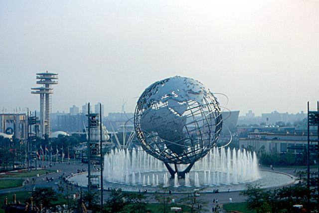 1964 New York World's Fair - Unisphere (Source: Flickr/Roger4336, CC BY-SA 2.0)