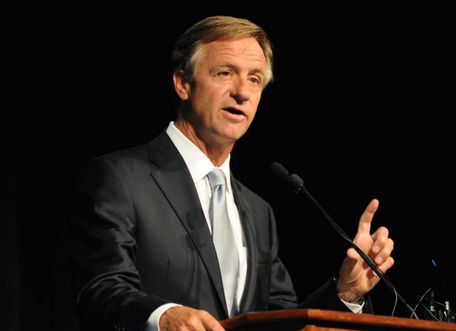 Tennessee Gov. Bill Haslam addresses attendees at the 67th National Seminar.