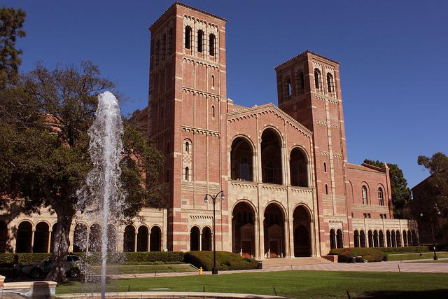 Image of UCLA, a high-performing public university with 39 percent of its students receiving Pell grants in 2013-14. Flickr/Prayitno (CC BY 2.0)