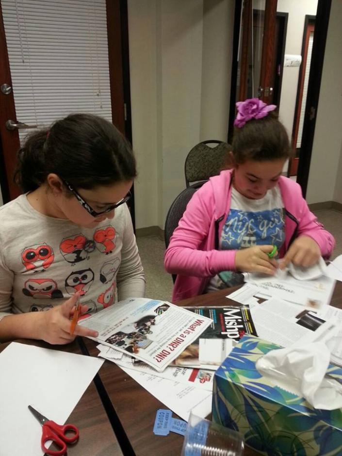 Students work on an enrichment activity as part of the ChillZone after-school program in Lakewood, New Jersey. (Flickr/Kars4Kids/Creative Commons)