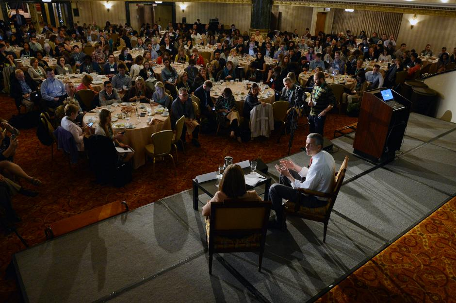 U.S. Secretary of Education Arne Duncan fields reporters' questions culled by Motoko Rich of the New York Times at EWA's National Seminar in Chicago, April 21, 2015. (Lloyd Degrane for EWA)