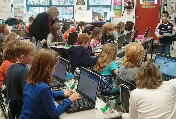 Students at Birch Elementary School in Reading, Mass. (Flickr/Heather Johnson, EOE)