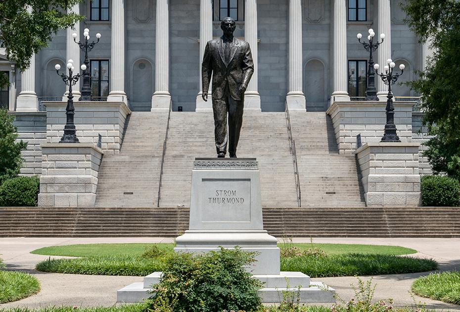 Strom Thurman statue at the South Carolina State House (photo: C.C. BY-SA  4.0/DXR)